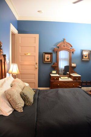 Stone Soup Inn: Blue Room