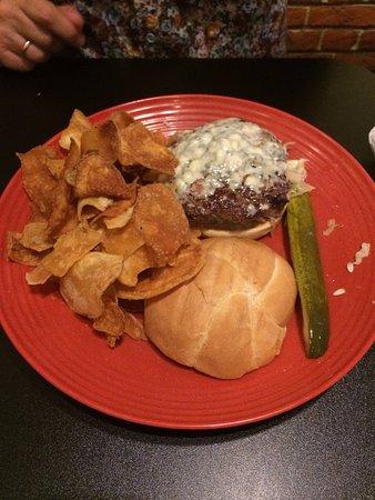 BrewBurger's Pub and Grill: Blue Chees Burger