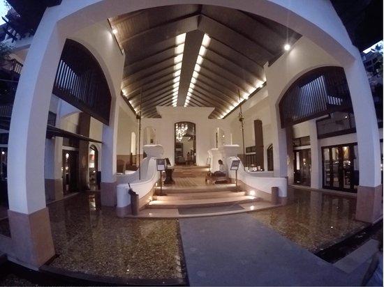 Anantara Bophut Koh Samui Resort: Entrance lobby