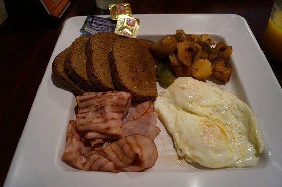 Stonewalls: Islander Breakfast