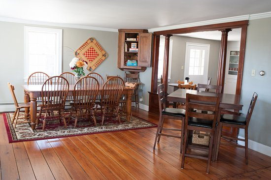 Mount Joy, Pensilvania: The breakfast table.