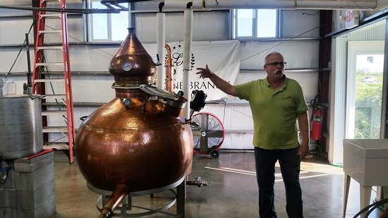 Lebanon, KY: Steve Shows Off Their Traditional Alembic Pot Still Used for the 2nd Distillation