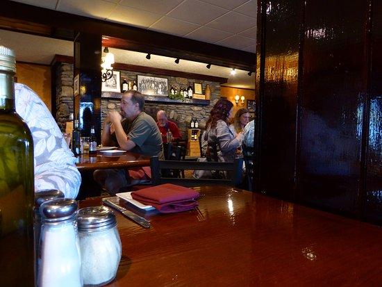 Varano's Italian Restaurant: Dining room