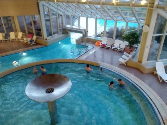 Felsland badeparadies saunawelt dahn duitsland for Piscine badeparadies