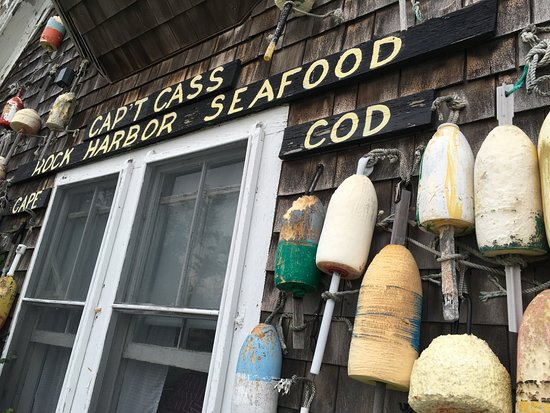 Cap't Cass Rock Harbor Seafood : Straight out of the song old cape cod.