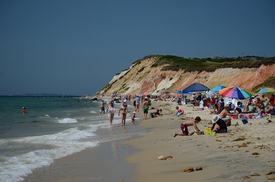 Aquinnah Cliffs: Beach and cliffs