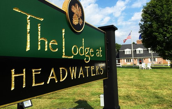 ‪The Lodge at Headwaters‬