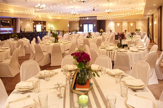 Plymouth, WI: Amore Banquet Hall