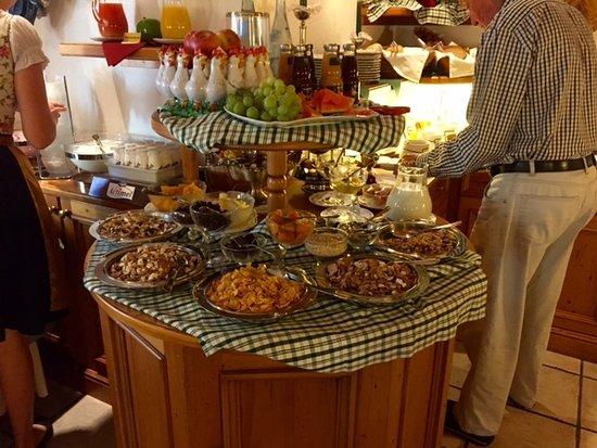 Hotel Edelweiss: Breakfast Buffet