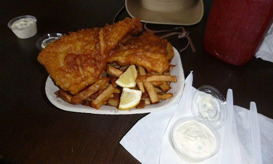 Providence Bay, Canadá: Fish and (&) Chips. (French Fries)