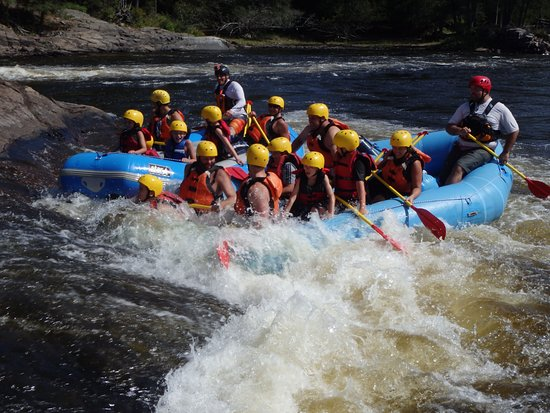 Bryson, Canada : Rafting with kids on the Ottawa river rapids