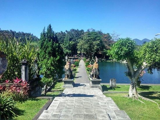 Tirta Ayu Hotel & Restaurant: IMG_20160905_142105_HDR_large.jpg