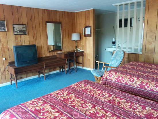 Acadia Gateway Motel : TV