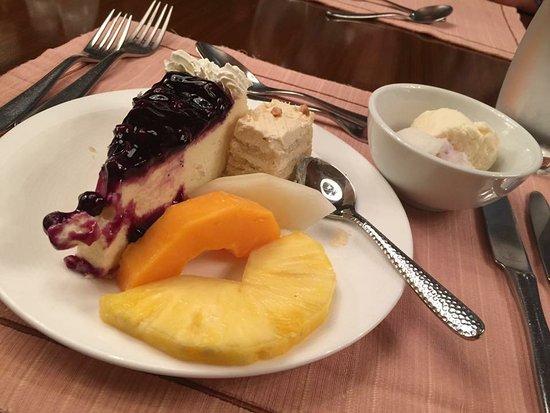 Cafe Ilang-Ilang: Desserts
