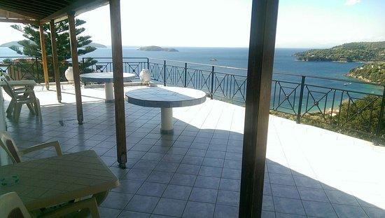 Blue bay skiathos guesthouse reviews greece tripadvisor for La piscine art hotel reviews