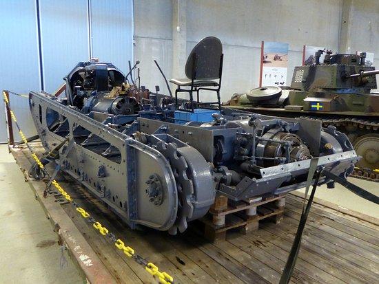 Arsenalen - Sveriges Försvarsfordonsmuseum: Ett exemplar av Sveriges första stridsvagn, fm/21, håller på att renoveras till körbart skick