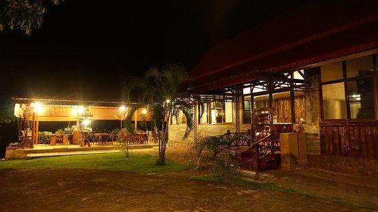 Thaton, Tailandia: Restaurant