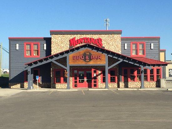 Fort St. John, Καναδάς: Montana's BBQ & Bar