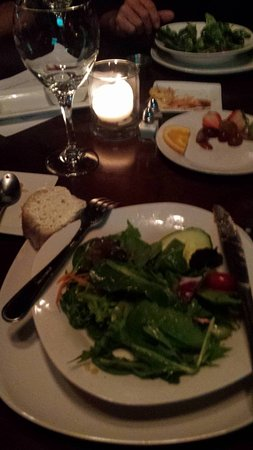 Rooster's Steak and Chop House : Fabulous dinner salad.