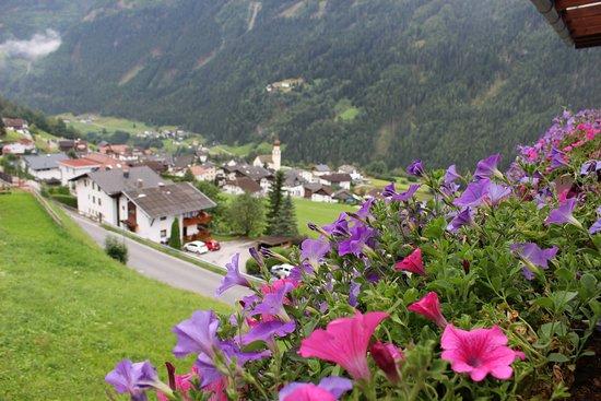 Jerzens, Österrike: Vue de la chambre en été