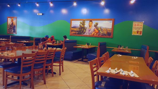 Torero's Mexican Restaurant: Dining room