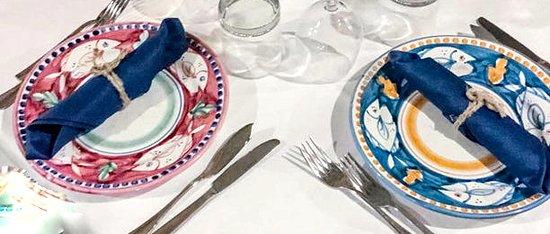 Caprera : i simpatici piatti decorati a mano