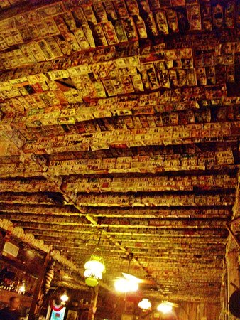 Calamity Jane's Hamburger Restaurant : ceiling covered with paper money