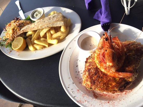 Venus Bay, Australia: Fish and Chips & Serano/Prawn Omelette