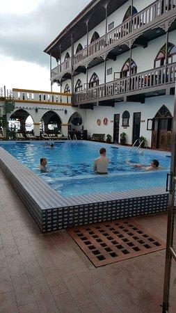 Tembo House  Hotel & Apartments: TA_IMG_20160907_103908_large.jpg