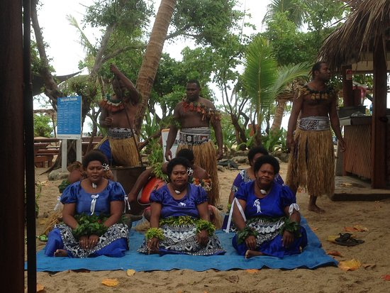 Mamanuca Islands, Fiji: Entertainment group