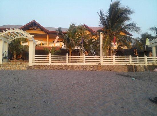 Phi Phi Hotel and Beach Resort: IMG_20160325_175934_large.jpg