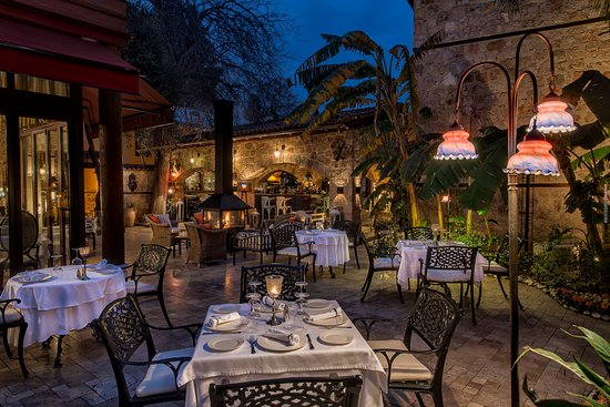 Seraser Fine Dining Restaurant: Seraser Exterior 1