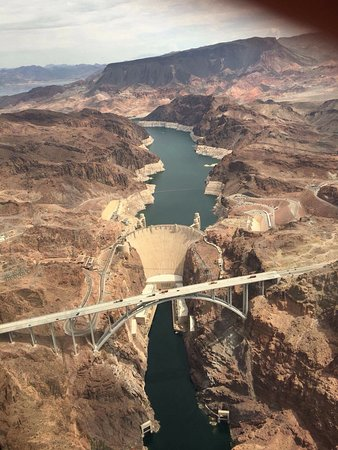Flying Over Hoover Dam  Picture Of Sunshine Helicopters  Grand Canyon Tours
