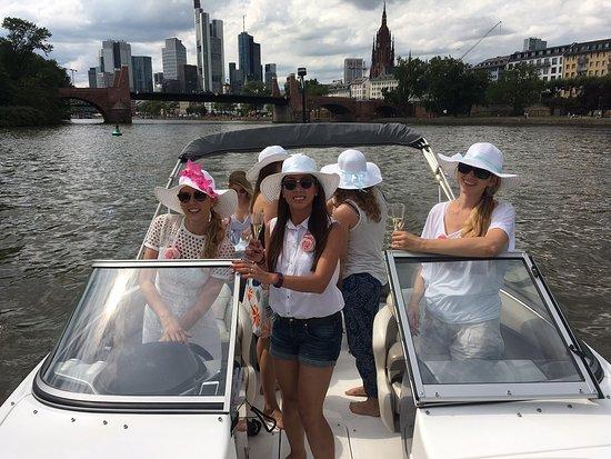 a944a3761cc6ba Brautjungern im Partyboot  fotografía de MS Partyboot Deutschland ...
