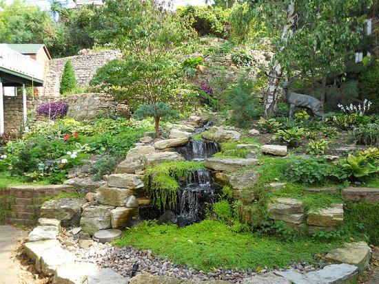 Alma, WI: the patio garden