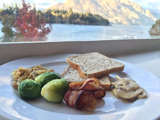 Absoloot Value Accommodation: breakfast with 5 stars view