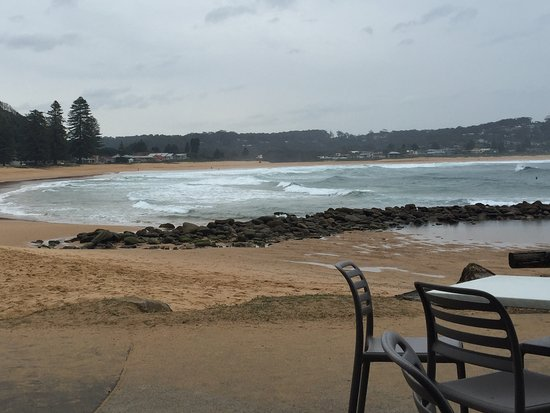 Avoca Beach, ออสเตรเลีย: Average food, amazing view!