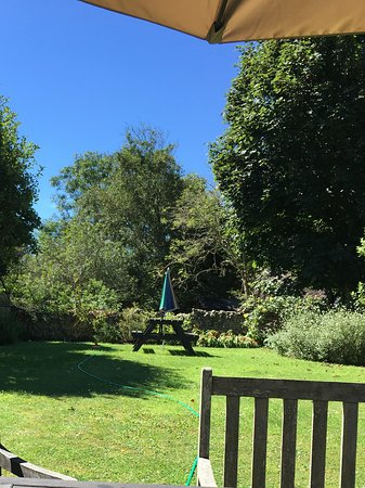 The Old Barn: Sizeable cottage garden where guests exclusively for guests their children and dogs