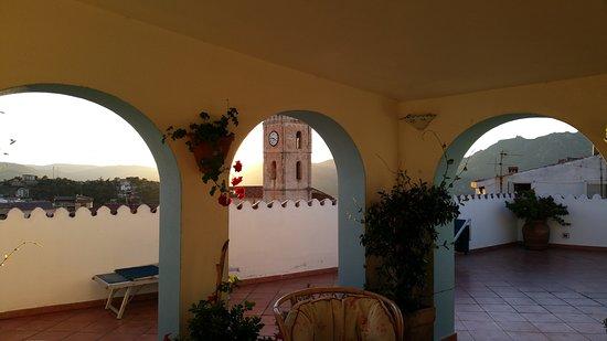 Oliena Luxury Bed and Breakfast  Santa Maria: Esta es la teraza.
