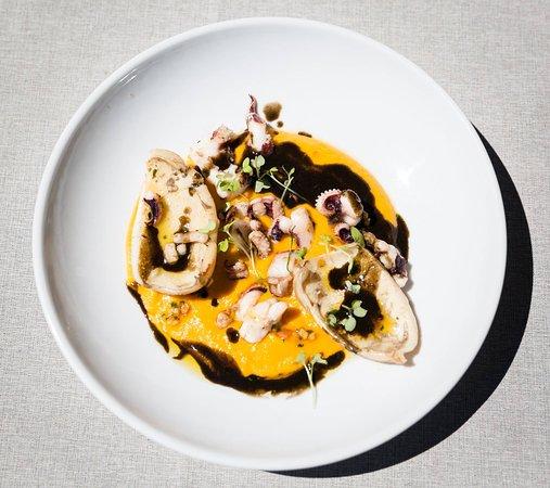 Le Pic Saint Loup : Seiche en persillade, purée de patates douces aux épices asiatiques et jus de viande à l'encre d