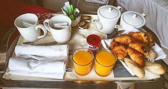 Hôtel les bains de Cabourg : Petit déjeuner en chambre