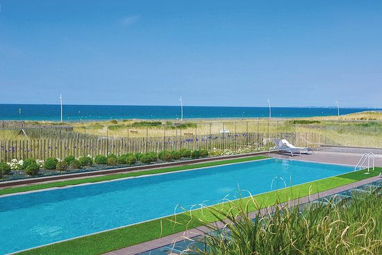 Hotel les bains de cabourg updated 2017 reviews price for Hotel piscine cabourg
