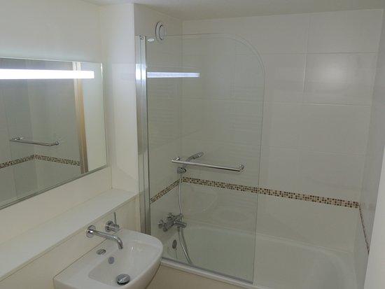 inter h tel annecy a roport metz tessy frankrijk foto 39 s reviews en prijsvergelijking. Black Bedroom Furniture Sets. Home Design Ideas