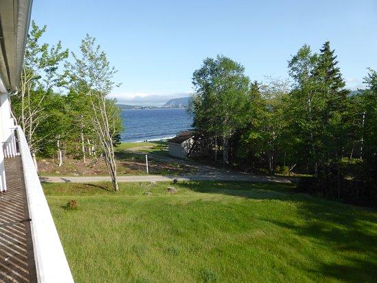 Sea Breeze Cottages and Motel: Aussicht vom Balkon