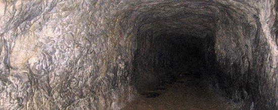 Dossena, Italy: 34 anni dopo la definitiva cessazione delle attività di estrazione mineraria, finalmente le anti