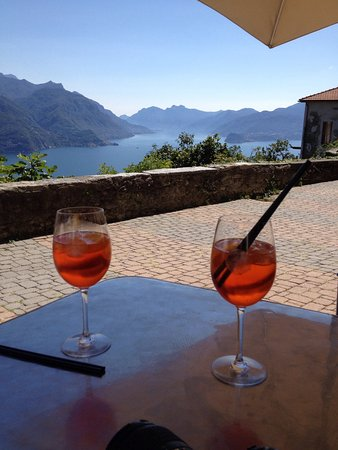 Locanda San Martino: Beautiful views with great local foods in a remote setting