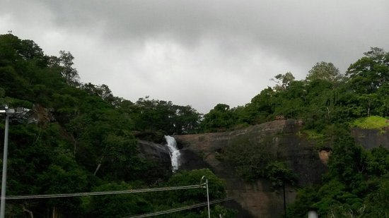 Courtallam, India: Thiru Kutrala Natha Swamy Temple