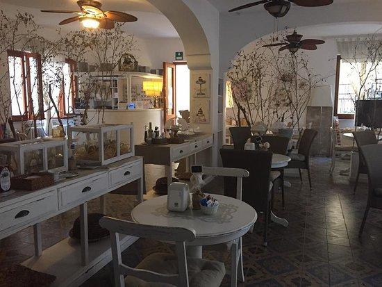 Sala Da Pranzo Shabby Chic : Sala da pranzo stile shabby chic picture of hotel elena noli