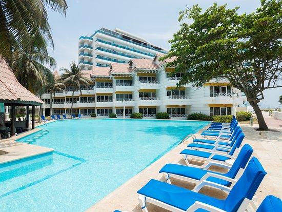 Hotel las am ricas casa de playa desde for Alberca las americas