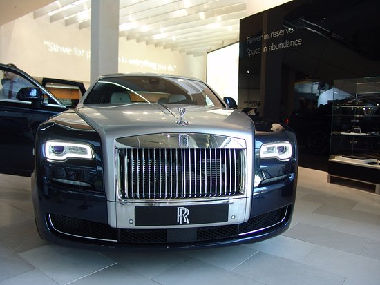 rolls royce has 2 cars on stand picture of bmw welt munich tripadvisor. Black Bedroom Furniture Sets. Home Design Ideas